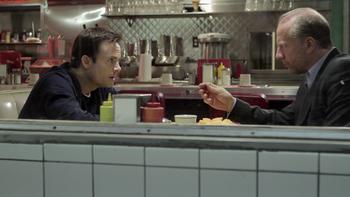 Episodio 5 (TTemporada 1) de The Booth at the End